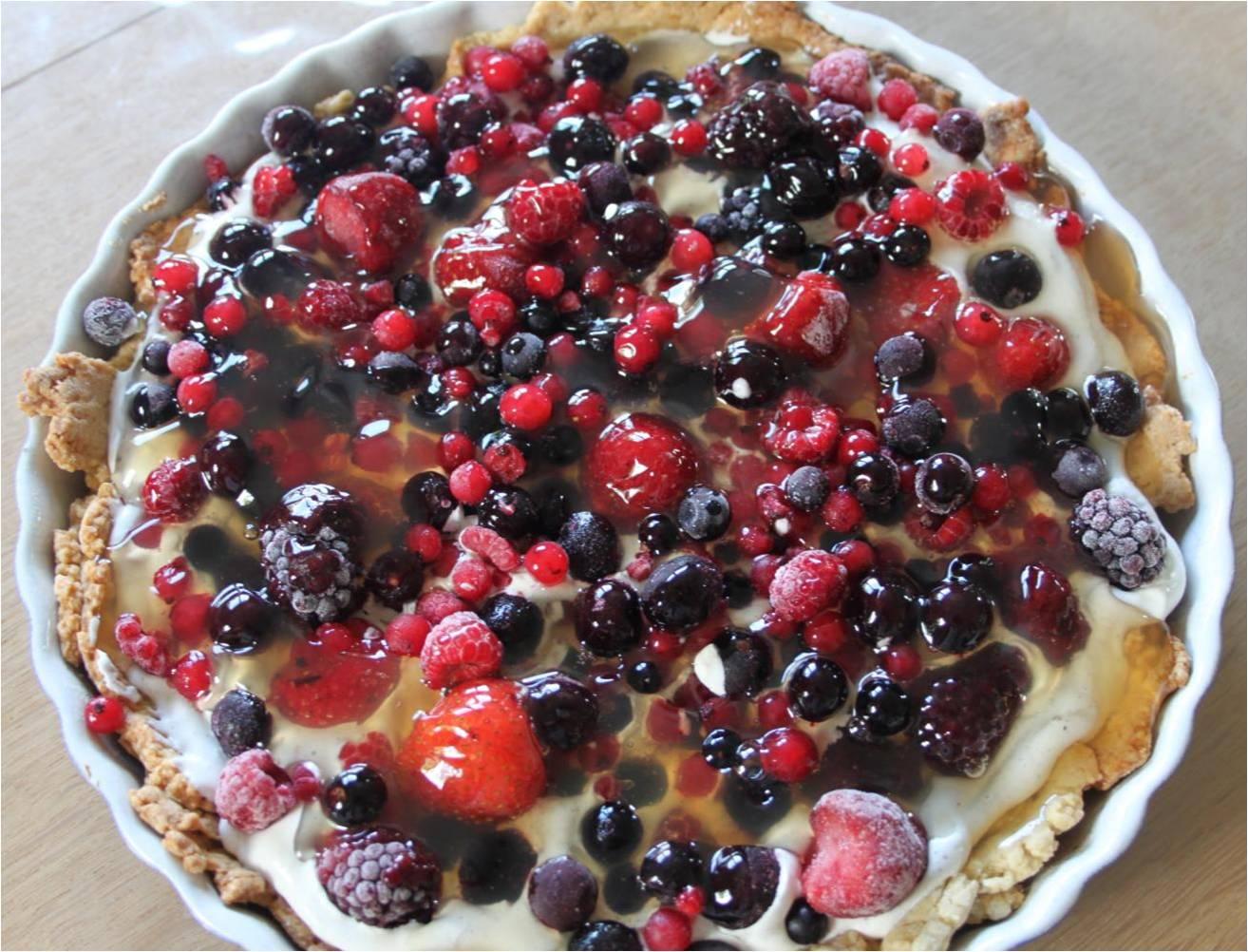 butterdejstærte med frugt