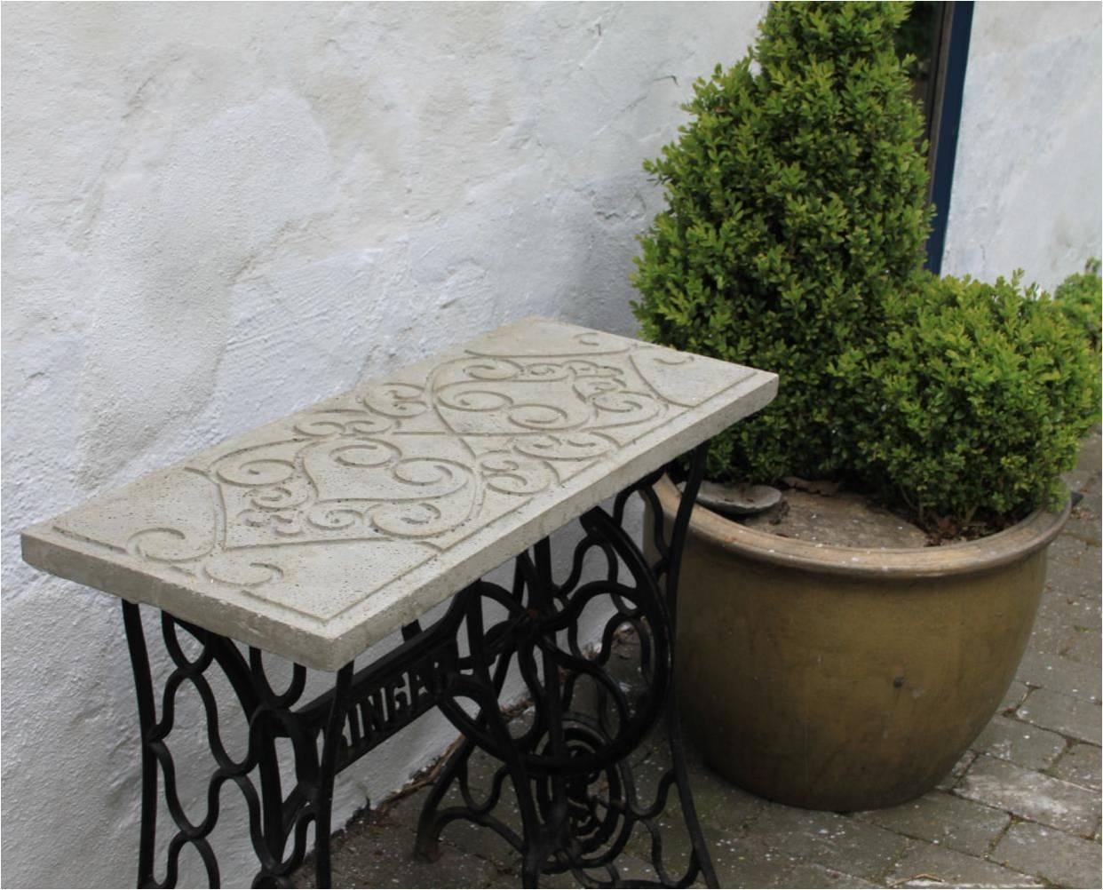 Hjemmelavet havebord af beton – Dalsgaard i Skivholme